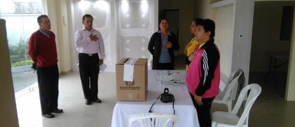 Las mesas de votación para la Consulta Popular Anticorrupción abrieron con normalidad en Santo Domingo de los Tsáchilas, Ecuador